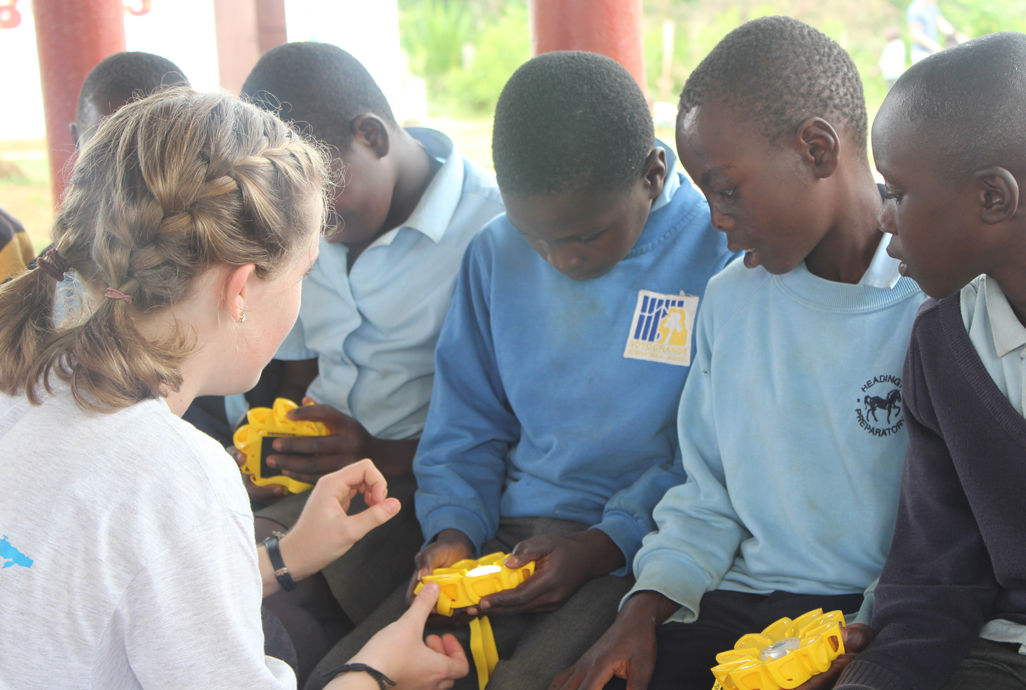 Action Solar Lampen : Solar in classrooms connecting spain and uganda little sun foundation